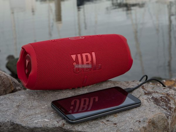 JBL Charge 5 Bluetooth hangszóró