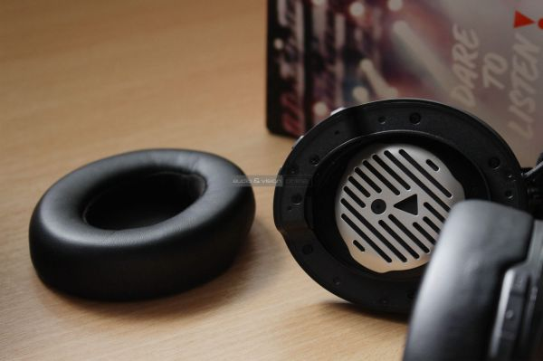 JBL CLUB 950NC aktív zajzáras Bluetooth fejhallgató fülpárna