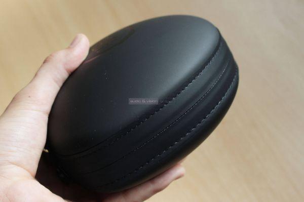 JBL CLUB 950NC aktív zajzáras Bluetooth fejhallgató tok