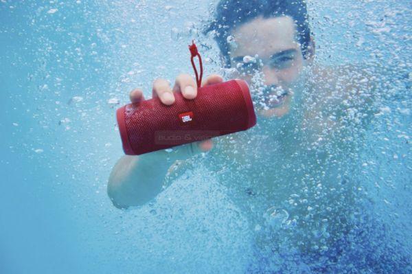 JBL Flip4 vízálló hangszóró