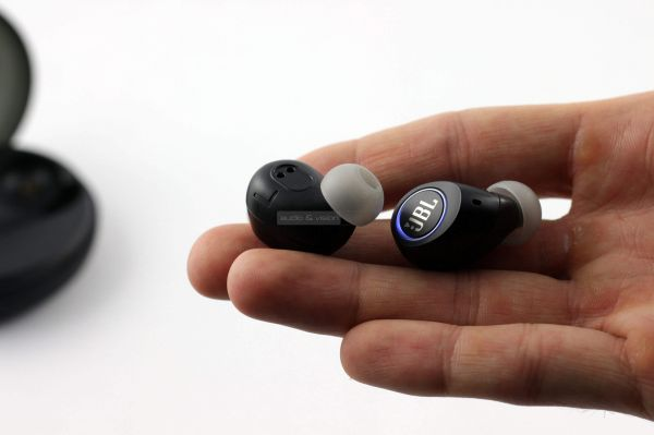 JBL Free Bluetooth fülhallgató