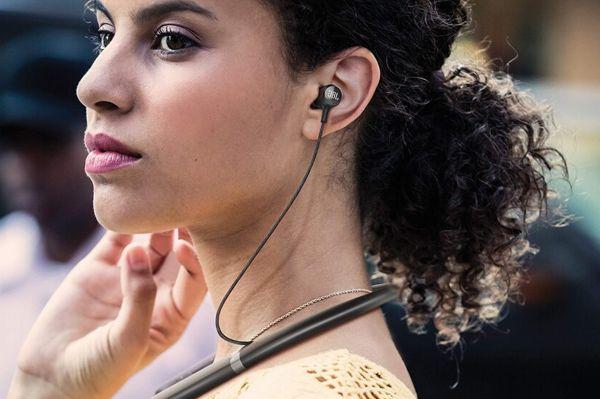 JBL LIVE 200BT nyakpántos Bluetooth fülhallgató