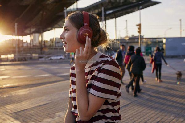 JBL LIVE 500BT Bluetooth fejhallgató