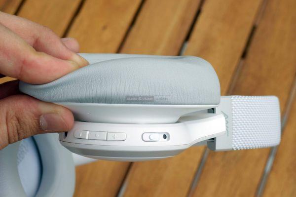 JBL LIVE 650BTNC aktív zajzáras Bluetooth fejhallgató fejpárna