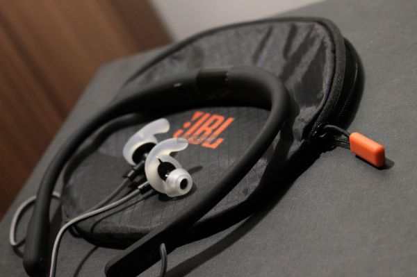 JBL Reflect Fit nyakpántos Bluetooth sportfülhallgató