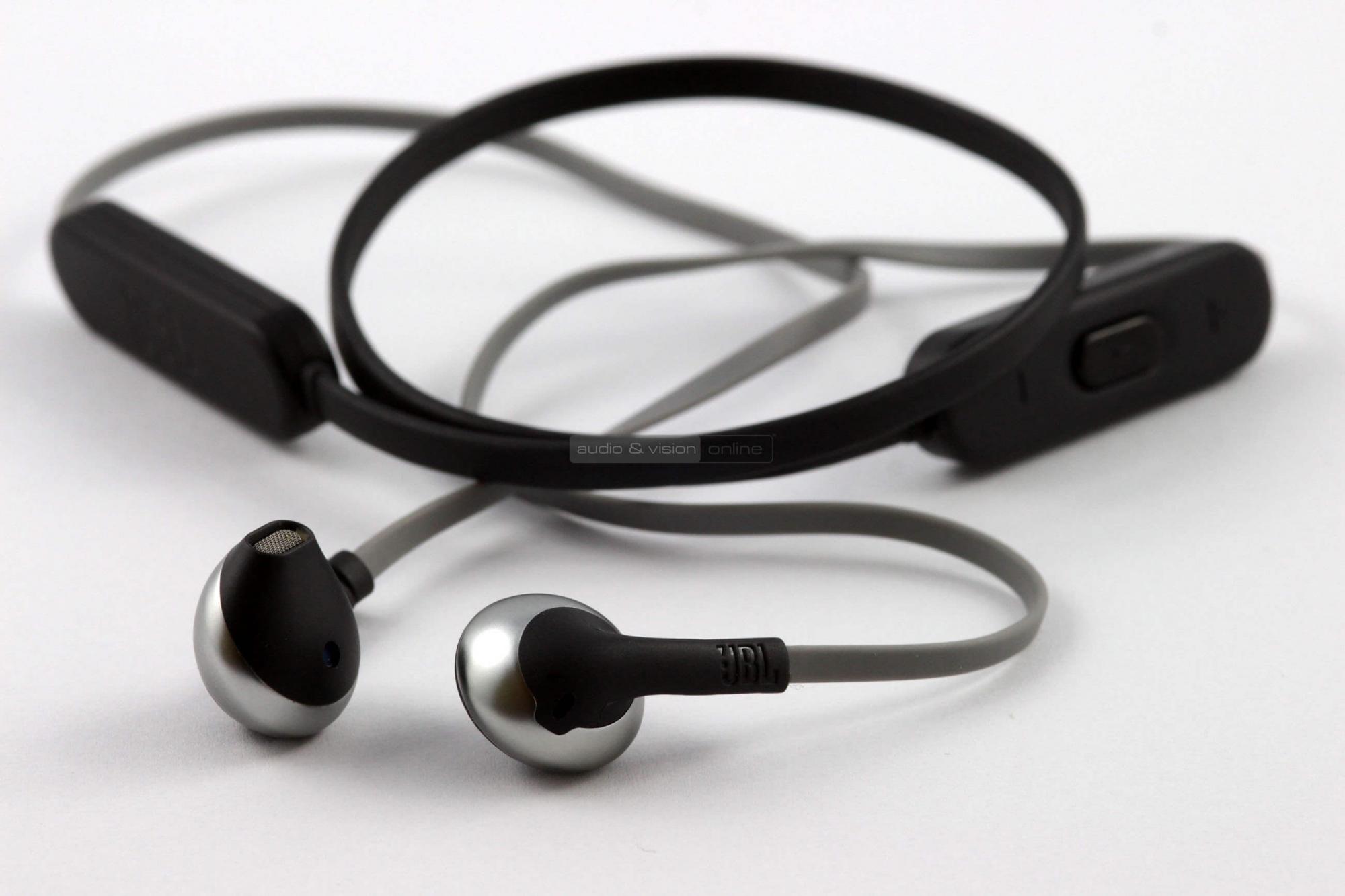 JBL T205BT Bluetooth fülhallgató. Kattints ... 555140d62e