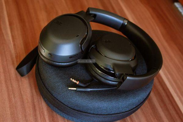 JBL Tour One aktív zajzáras Bluetooth fejhallgató kábel