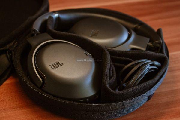JBL Tour One aktív zajzáras Bluetooth fejhallgató tok