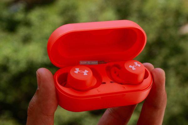 JBL UA True Wireless Streak TWS Bluetooth fülhallgató