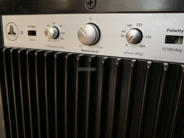 JL Audio Dominion d110 aktív mélyláda hátlap