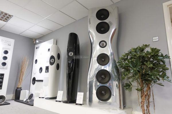 KEF hangfalak a Maidstone-i gyárban