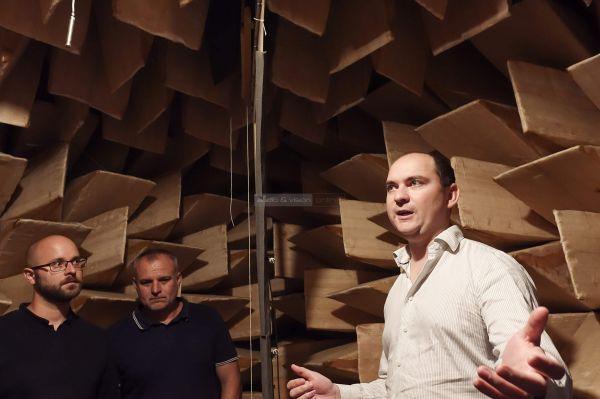 KEF hangfalgyár Maidstone-ban - süketszoba