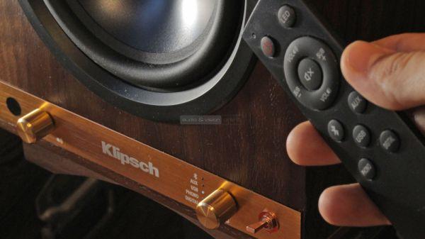 Klipsch The Sixes aktív hangfal távvezérlő