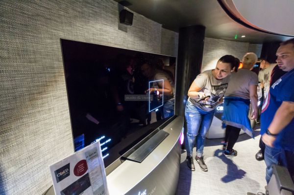 LG OLED TV bemutató