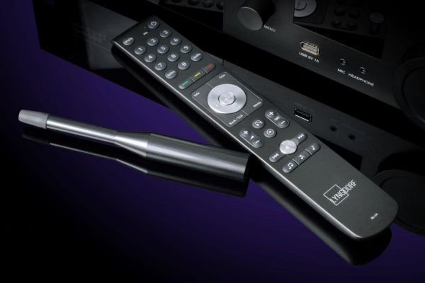 Lyngdorf Audio TDAI-3400 sztereó erősítő távvezérlő