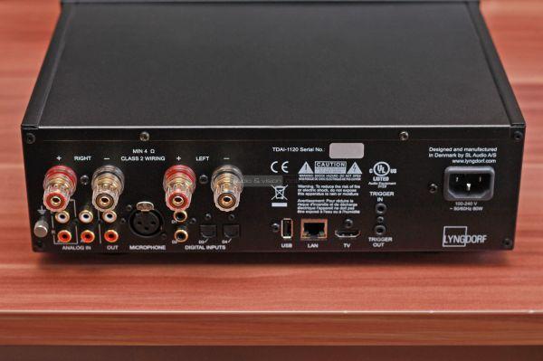 Lyngdorf TDAI-1120 sztereó erősítő hátlap