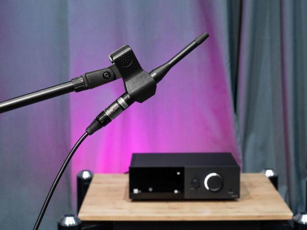 Lyngdorf TDAI-1120 sztereó erősítő mikrofon