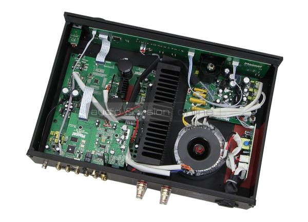 Magnat MA 600 hibrid erősítő belső