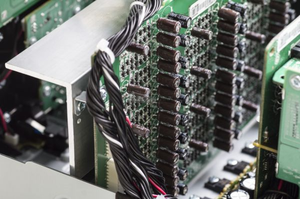 Marantz AV7704 házimozi processzor HDAM