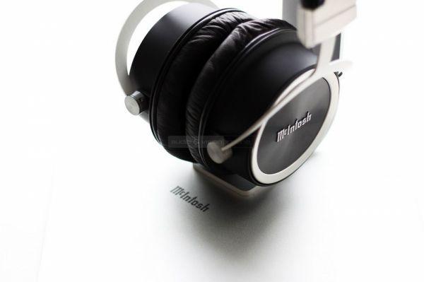 McIntosh MHP1000 high end fejhallgató állvánnyal