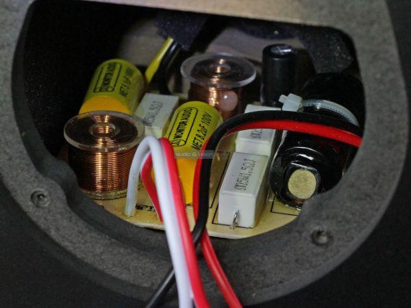 Monitor Audio Bronze 100 hangfal keresztváltó
