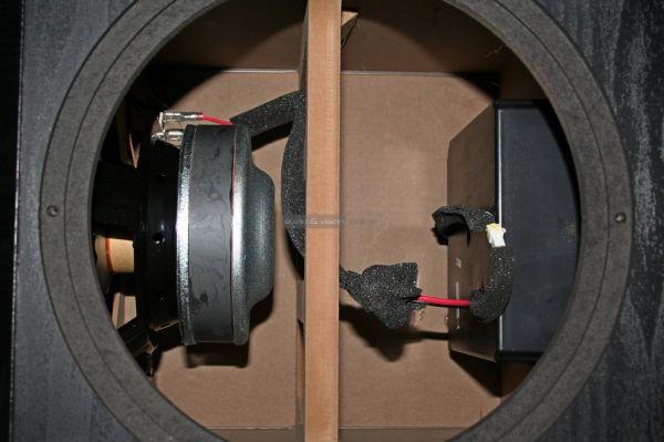 Monitor Audio Bronze W10 aktív mélyláda belső