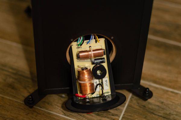 Monitor Audio Monitor 300 hangfal keresztváltó