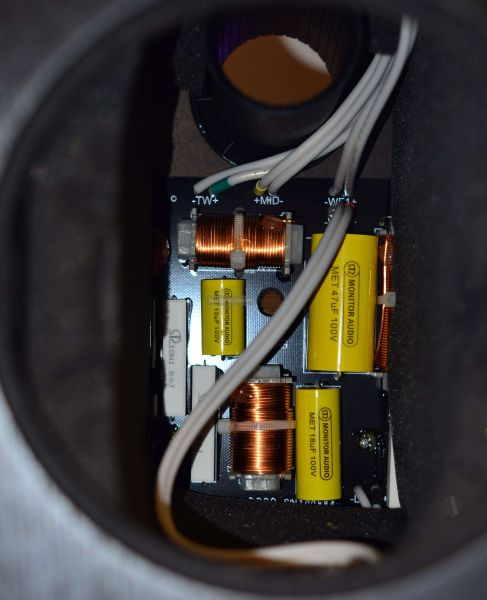 Monitor Audio Silver 300 hangfal keresztváltó