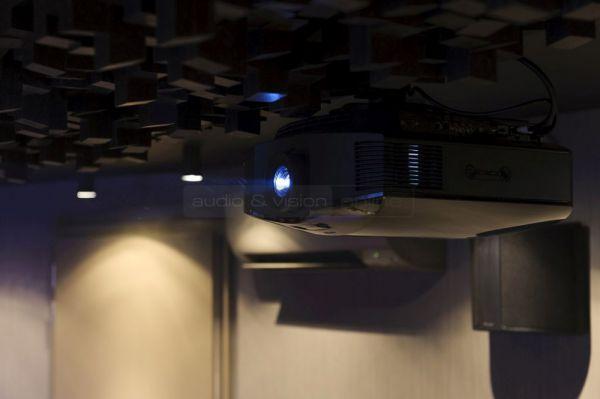 Moziszoba - Sony projektor