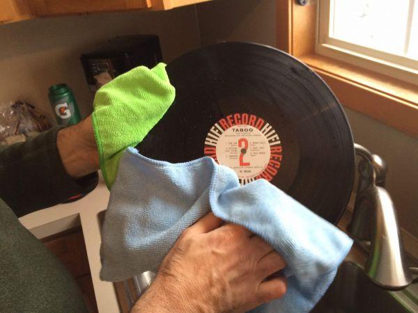 vinyl lemez tisztítás ronggyal