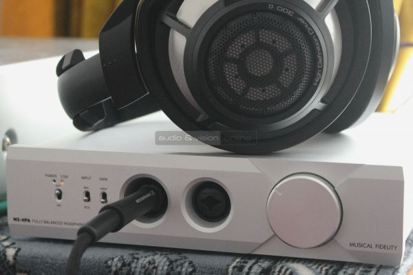 Musical Fidelity MX-HPA fejhallgató erősítő és Sennheiser HD 800 S fejhallgató