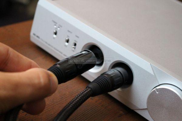 Musical Fidelity MX-HPA fejhallgató erősítő XLR adapter kábellel