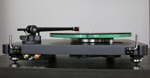 NAD C 588 vinyl lemezjátszó hátlap