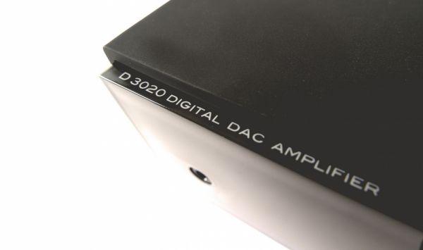 NAD D 3020 hibrid digitális erősítő