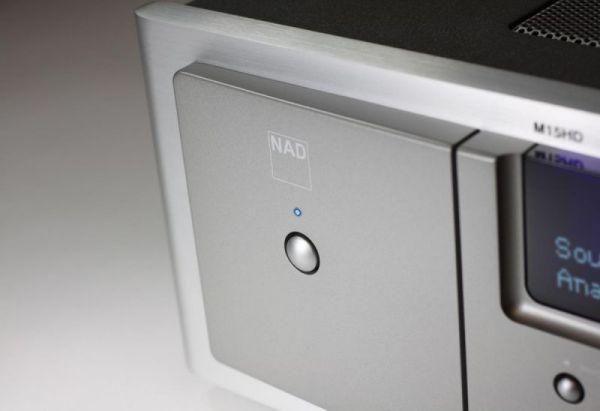 NAD M15 HD2 AV házimozi processzor előlap