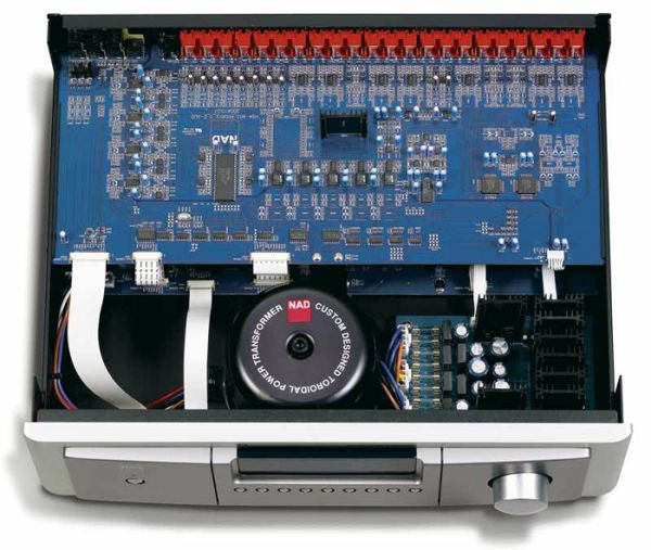 NAD M15 HD2 AV házimozi processzor belső