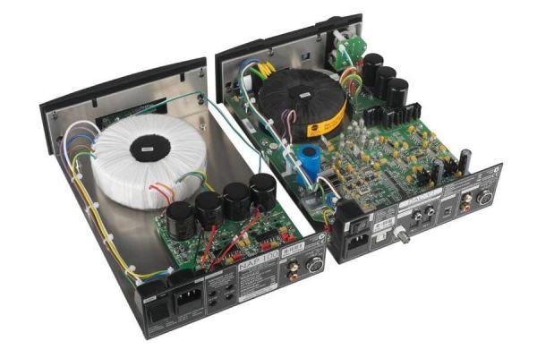 Naim NAP 100 sztereó végerősítő és DAC-V1 DAC belső