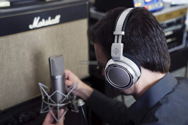 Neumann NDH 20 stúdió fejhallgató