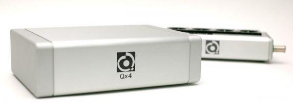 Nordost Qb4 hálózati tápelosztó és Qx2 zavarszűrő készülék