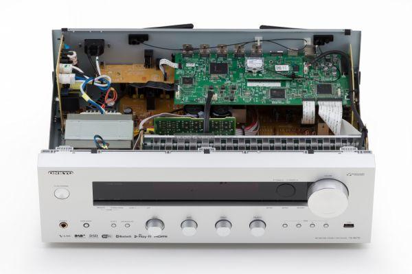 Onkyo TX-8270 hálózati sztereó rádióerősítő belső