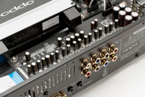 OPPO UDP-203 Blu-ray lejátszó hátlap