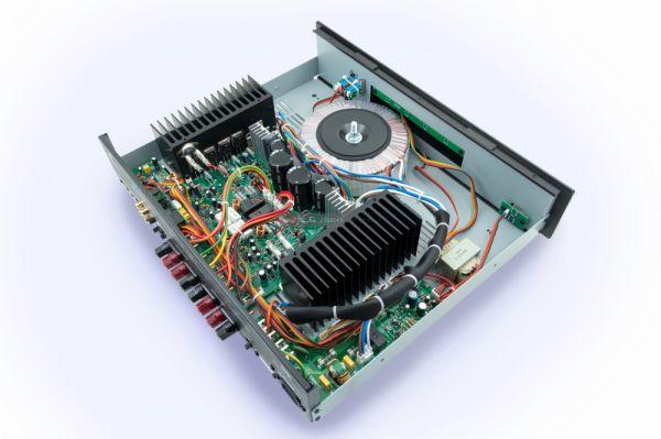 Parasound Model 2125 v2 belső