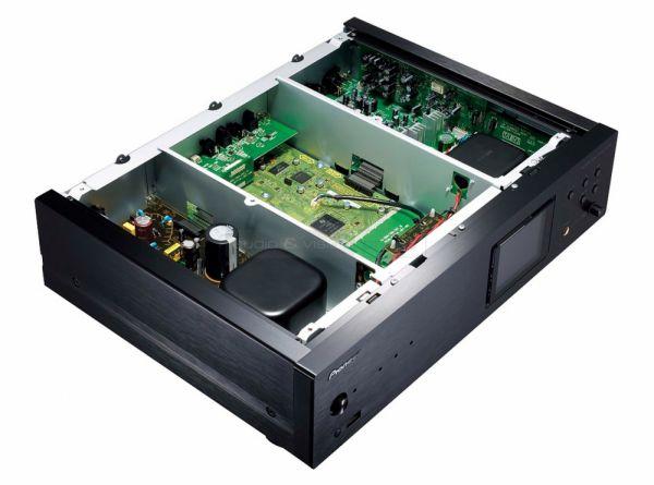 Pioneer N-70A hálózati médialejátszó belső