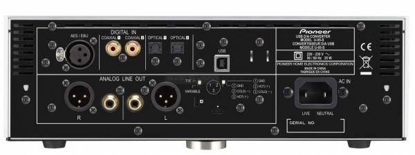 Pioneer U-05 USB DAC és fejhallgató erősítő hátlap
