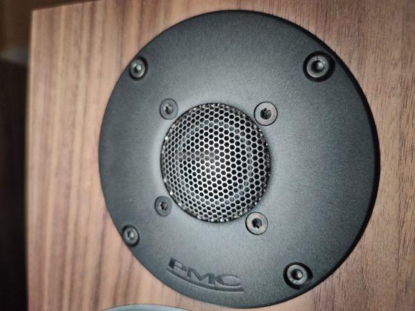 PMC twenty5.24i hangfal magassugárzó