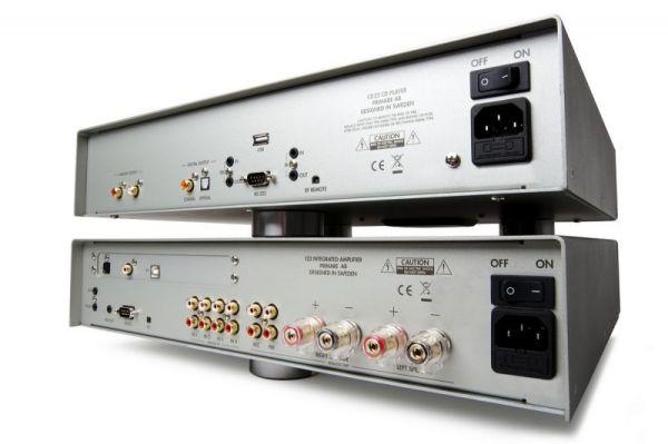 Primare I22 integrált sztereó erősítő és CD22 CD-lejátszó hátlap