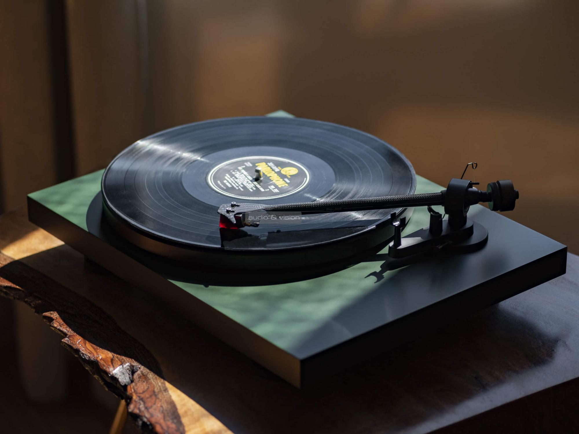 Pro-Ject Debut Carbon EVO vinyl lemezjátszó teszt