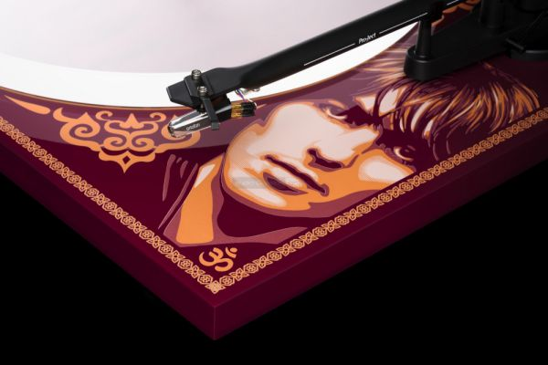 Pro-Ject Essential III George Harrison Limited Edition analóg lemezjátszó