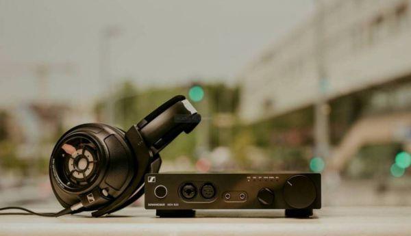 Sennheiser HD 820 high end fejhallgató és HDV 820 fejhallgató erősítő