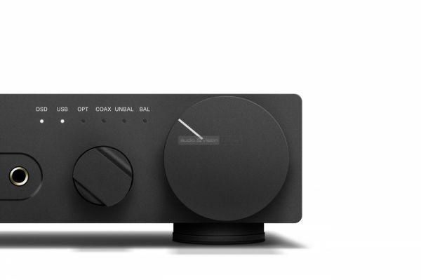 Sennheiser HDV 820 high end fejhallgató erősítő